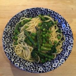 Asparagus, Pea & spinach pasta